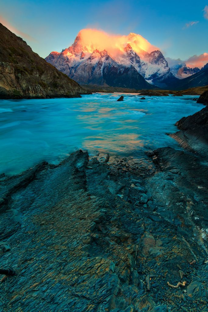 Patagonia_Flaming_mountain_IMG_0868_70_web-683x1024.jpg